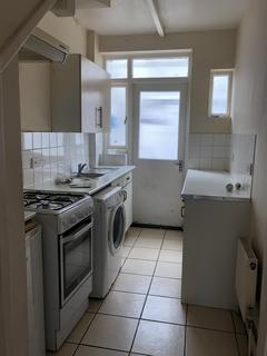 4 bedroom house to rent - Wentworth Road, Southall, UB2