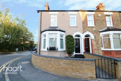 3 bedroom end of terrace house for sale - Priory Road, Dartford