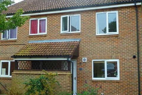 3 bedroom semi-detached house for sale - Goddards Close, Cranbrook, Kent, TN17 3LJ