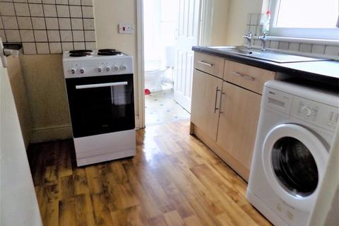 2 bedroom flat to rent - Railway Street, Splott, Cardiff