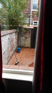 4 bedroom terraced house to rent - Redruth Street, Rusholme M14