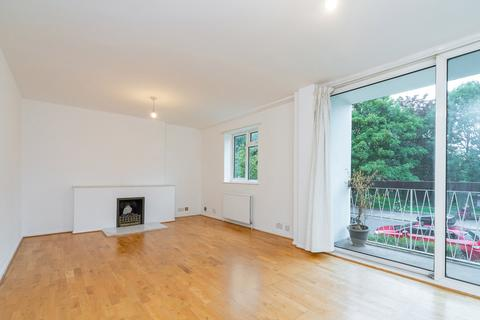 3 bedroom flat to rent - Fortis Green, London N2