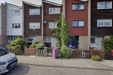 4 bedroom townhouse to rent - Annie Besant Close, London E3