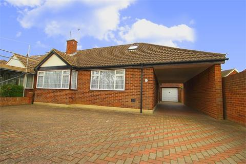 4 bedroom chalet to rent - Corsair Close, Stanwell, Surrey