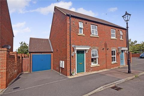 2 bedroom semi-detached house for sale - Brimmers Way, Aylesbury, Buckinghamshire