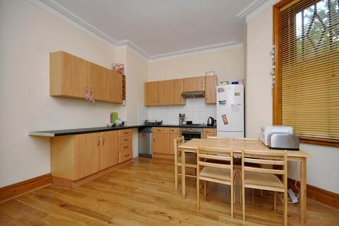 4 bedroom flat to rent - Elgin Court, Maida Vale, London, W9