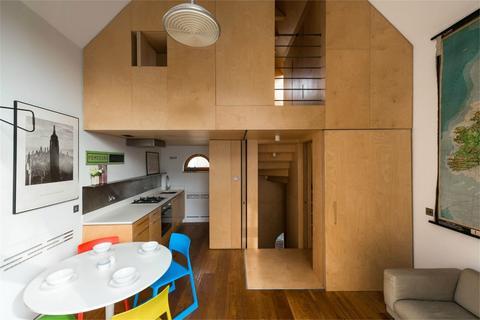 2 bedroom terraced house for sale - Nevill Road, London N16
