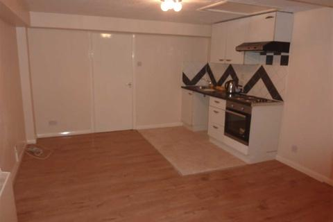 3 bedroom flat to rent - Leicester House, London