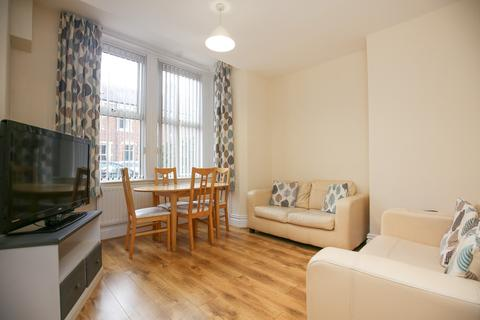 3 bedroom apartment to rent - Windsor Terrace, South Gosforth