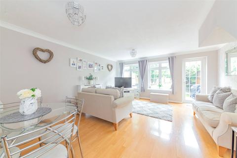 3 bedroom terraced house for sale - Bourne Meadow, Thorpe, Surrey, TW20