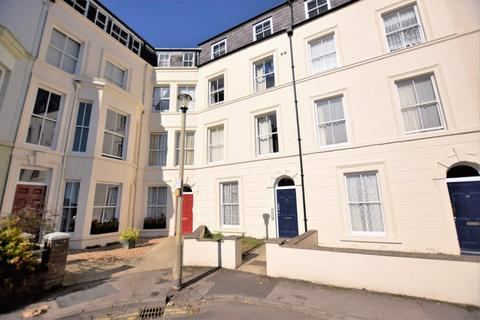 2 bedroom flat for sale - West Square, Scarborough