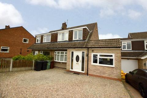 4 bedroom semi-detached house for sale - Kentmere Avenue, Garforth, Leeds