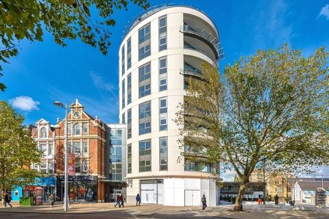 2 bedroom apartment for sale - Dickens Yard, New Broadway, Ealing, London