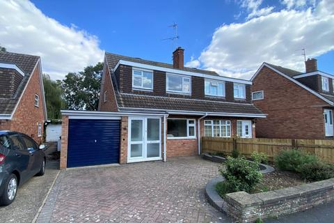 3 bedroom semi-detached house for sale - Willcox Drive, Melton Mowbray
