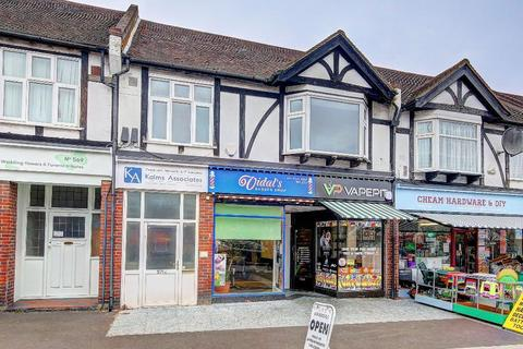 Office to rent - London Road, Cheam, SM3 9AE