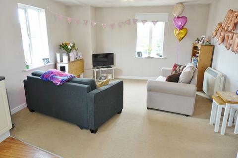 2 bedroom flat to rent - Cheere Way, Papworth Everard