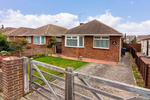 3 bedroom detached bungalow for sale - Cecil Road, Lancing