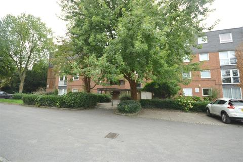 2 bedroom flat for sale - The Lawns, Stoneygate, Leicester