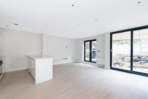 2 bedroom ground floor flat to rent - Mattock Lane, Ealing, W13