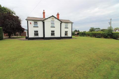 4 bedroom house for sale - Llay Road, Rossett, Wrexham