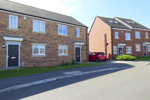3 bedroom semi-detached house for sale - Mulberry Avenue, Molescroft, Beverley, East Yorkshire, HU17 7SS