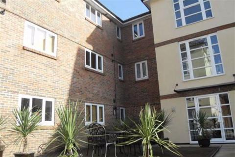 2 bedroom apartment to rent - Riverside Court, Wickford, Essex