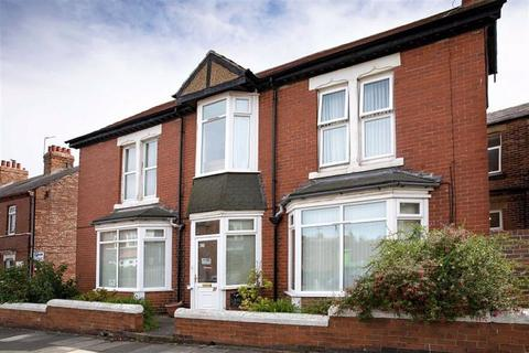 3 bedroom detached house for sale - Coquet Avenue, Whitley Bay