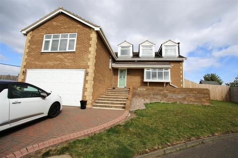 4 bedroom house for sale - Alpine Way, Sunderland