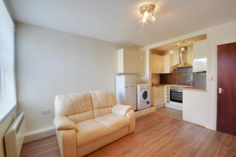 1 bedroom flat to rent - Pinner Road, Northwood, HA6 1BS
