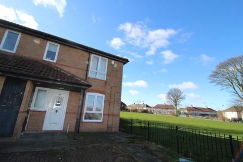 2 bedroom ground floor flat - Whinmoor Place, Newcastle upon Tyne, Tyne and Wear, NE5 3BA