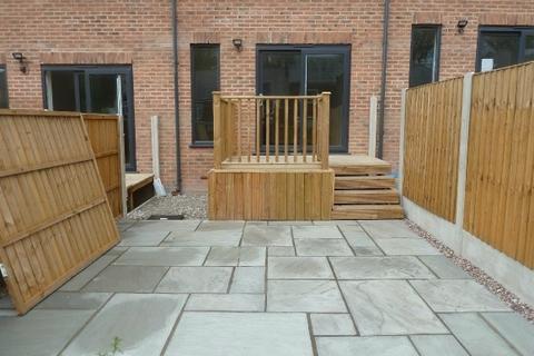 3 bedroom townhouse to rent - Rainsough Brow, Prestwich, M25