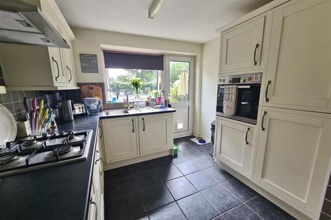 3 bedroom semi-detached house for sale - Clifton Place, Banstead, Surrey