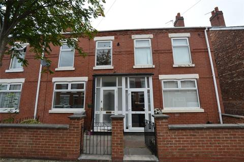 3 bedroom terraced house to rent - Darley Street  Stretford  Manchester M32