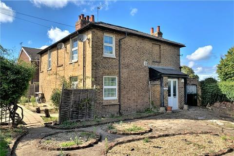 2 bedroom maisonette for sale - Arundel House, Riverside Road, Stanwell, Middlesex, TW19