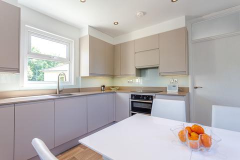 2 bedroom maisonette for sale - Willow road, South Ealing