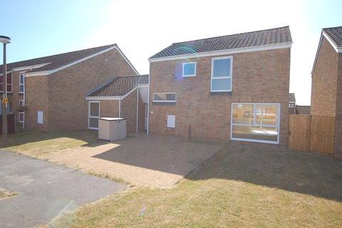 4 bedroom end of terrace house to rent - Walnut Close, Raf Lakenheath, Brandon, Suffolk, IP27