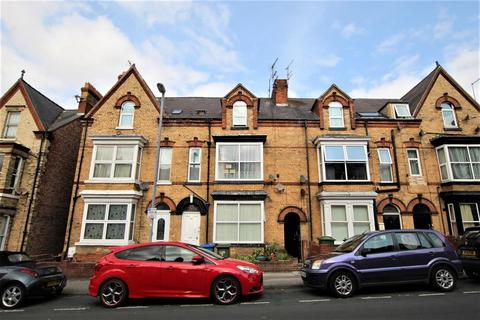 1 bedroom flat for sale - Tennyson Avenue, Bridlington, YO15 2EX