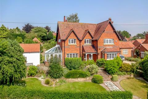 4 bedroom detached house for sale - The Hollows, Thurgarton, Nottingham, NG14