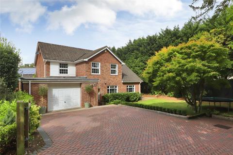 4 bedroom detached house for sale - Maple Close, Tunbridge Wells, Kent, TN2
