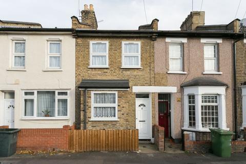 2 bedroom terraced house to rent - Tavistock Road, E15