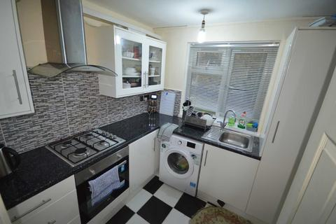 2 bedroom apartment for sale - Addison Way, Hayes