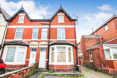 1 bedroom apartment for sale - 16 St. Patricks Road South,  Lytham St. Annes, FY8