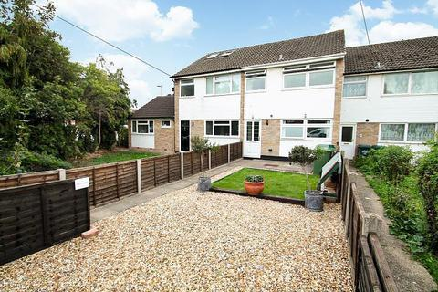 3 bedroom terraced house for sale - Greenlake Terrace, Laleham Road, Staines-Upon-Thames, TW18