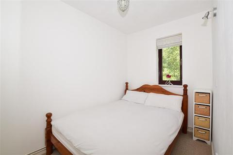 1 bedroom flat for sale - Bader Close, Kenley, Surrey