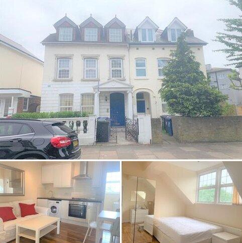 3 bedroom flat to rent - York Road, Acton, London W3