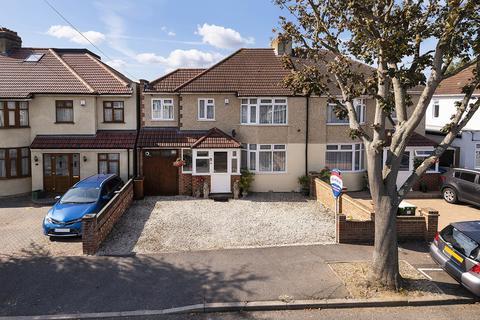 3 bedroom semi-detached house for sale - Lansdowne Avenue, Bexleyheath, Kent, DA7