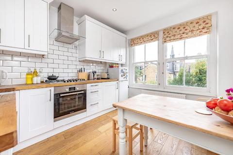 3 bedroom flat - Hawarden Grove, Herne Hill