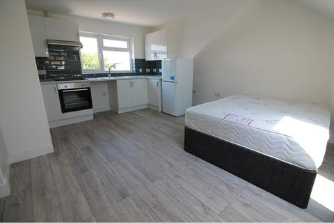 Studio to rent - Cathays Terrace, Cathays, Cardiff