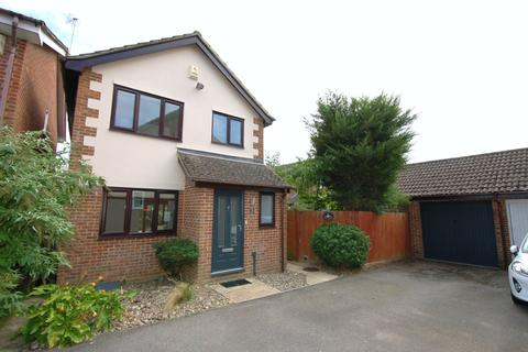3 bedroom detached house to rent - Lory Ridge, Bagshot