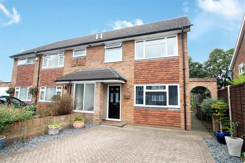 3 bedroom semi-detached house for sale - Avondale Avenue, STAINES-UPON-THAMES, Surrey